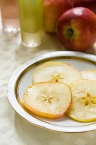 Яблоки в винном сиропе