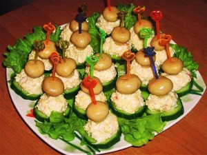 Закуска на шпажках «Грибная полянка»